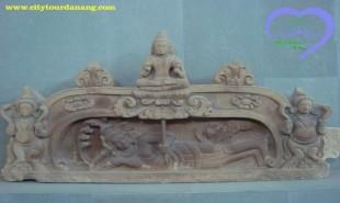 Ý nghĩa biểu tượng hoa sen trong điêu khắc Chăm